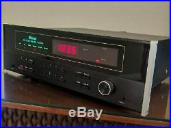 McIntosh MR7083 AM/FM Stereo Tuner Pristine