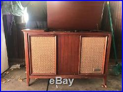 Mid Century Vintage Zenith Record Player Console AM/FM Tuner STEREO SK2506T